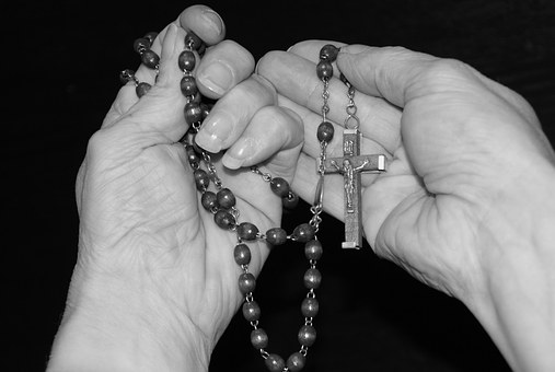 como hacer el rosario del miercoles